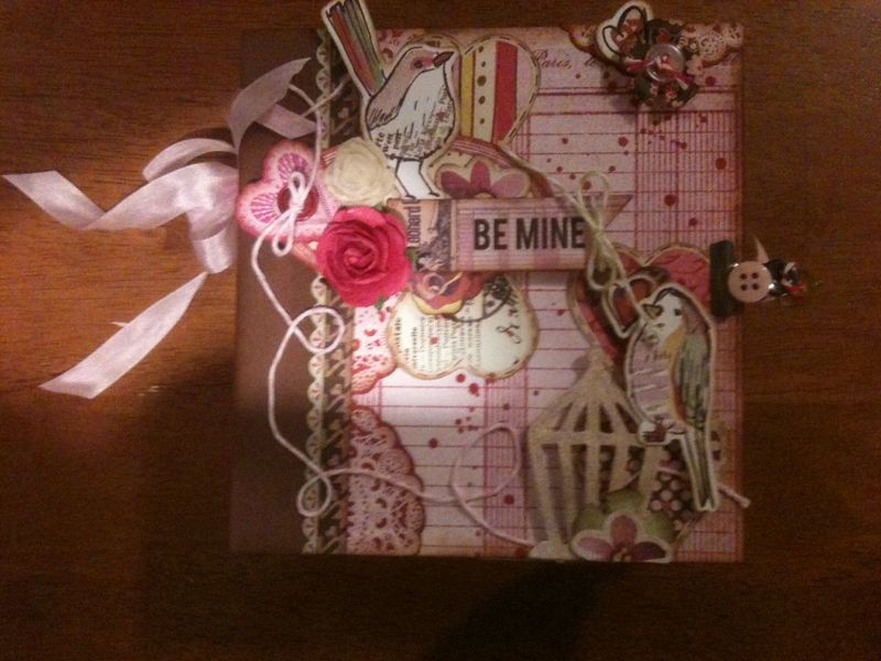BE MINE MINI BOOK